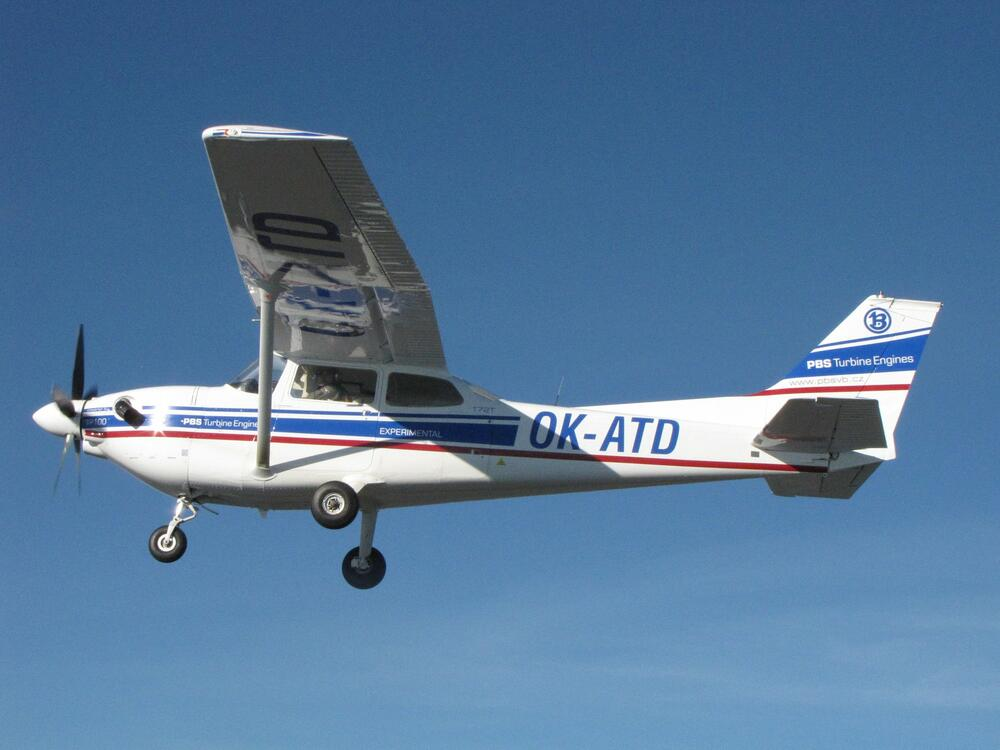 The Cessna 172T flies with TP100 engine - PBS Aerospace